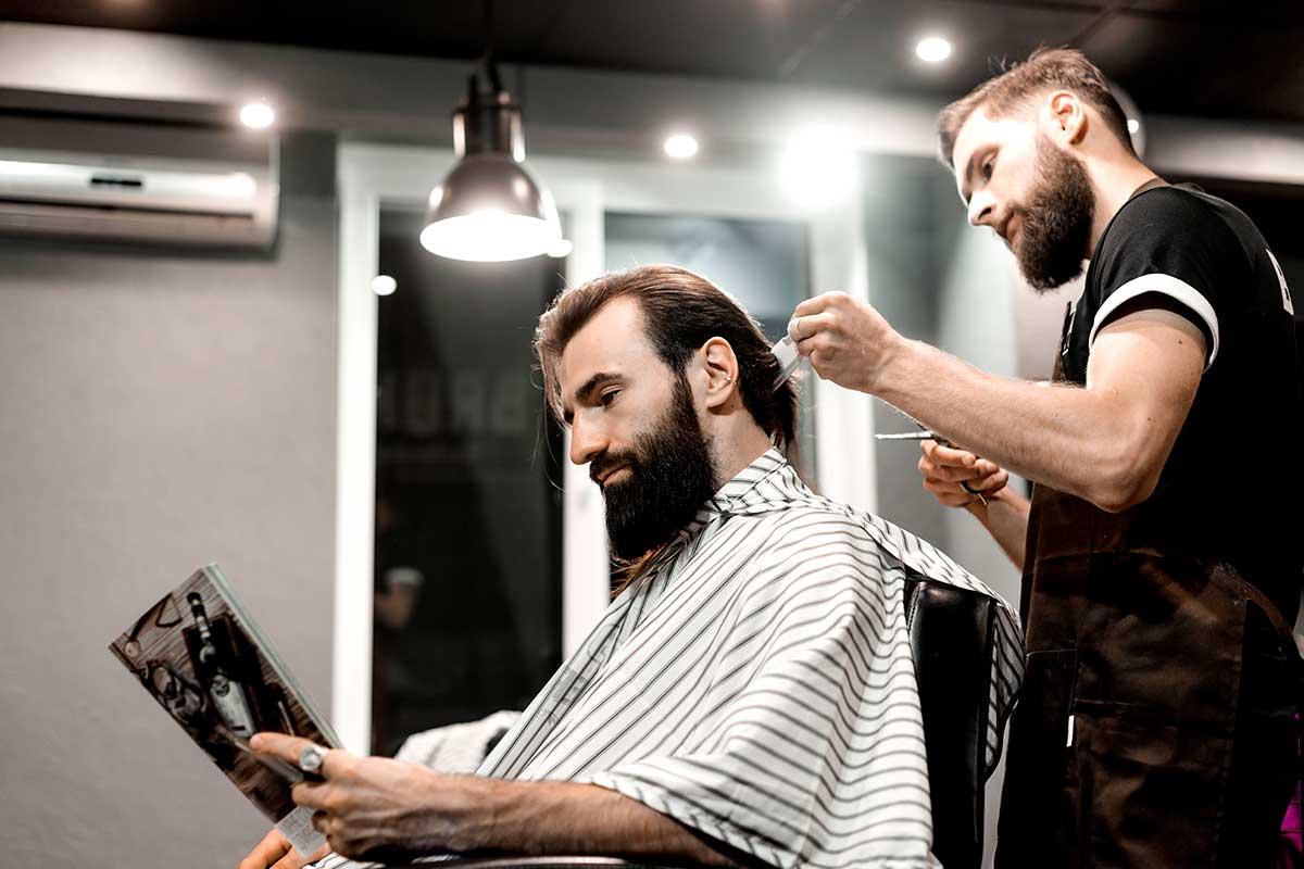 Cómo atraer clientes a la barbería